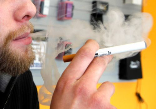 Trump Hears From Vaping Opponents, Industry Executives